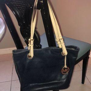 💙Michael Kors Jet set Handbag 💙